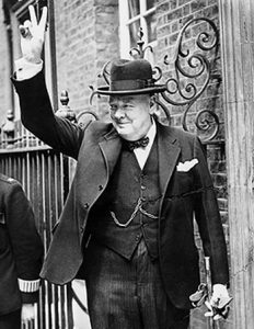 Churchill-gives-V-sign.jpg